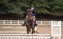 After Shaky Start, Cambridge Equestrian Team Gallops Into Successful Season