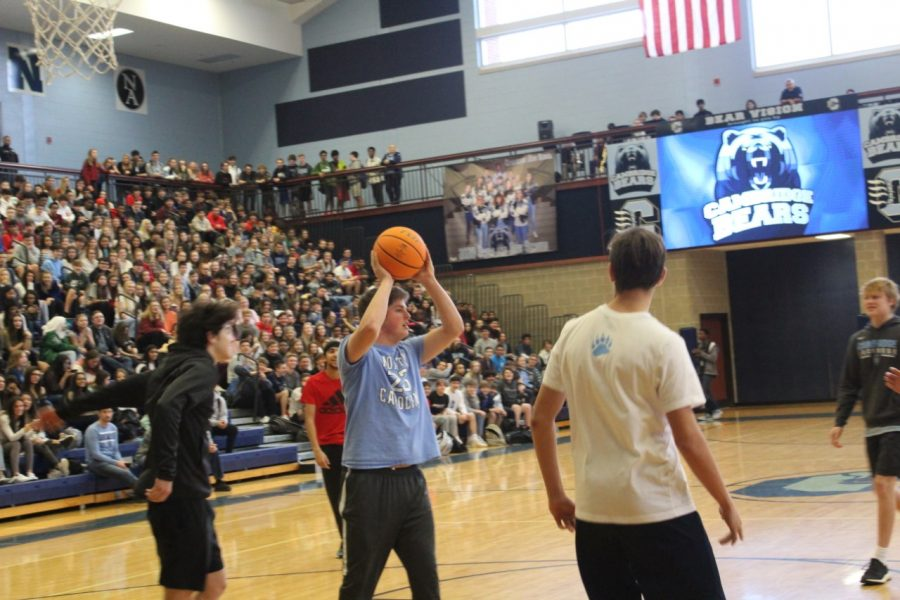 Students+during+the+freshmen+vs.+sophomore+basketball+tournament+during+the+pep+rally.