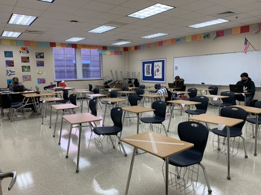 Pomerance+teaches+to+an+almost-empty+classroom.+